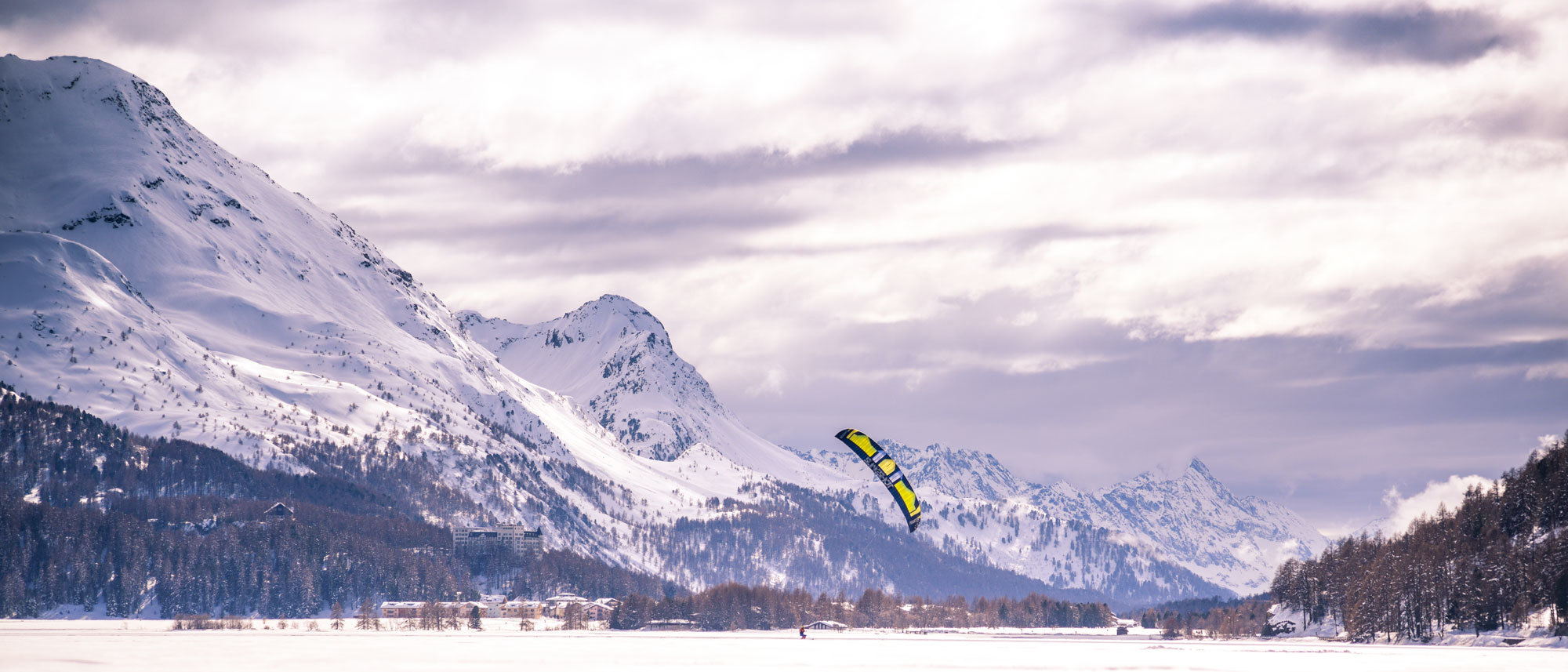 Snowkite2000px